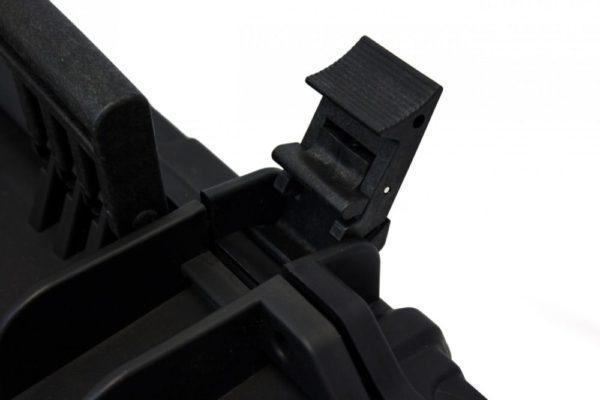 Nuprol Large Hard Case Pick 'N' Pluck, kovamuovinen aselaukku – musta